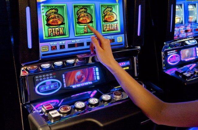 Множество развлечений с возможностью заработать от казино Вулкан